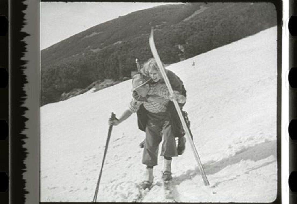 """""""Wiosna narciarzy"""", reż. Adam Krzeptowski, Polska 1934, 9', zasoby FINA"""