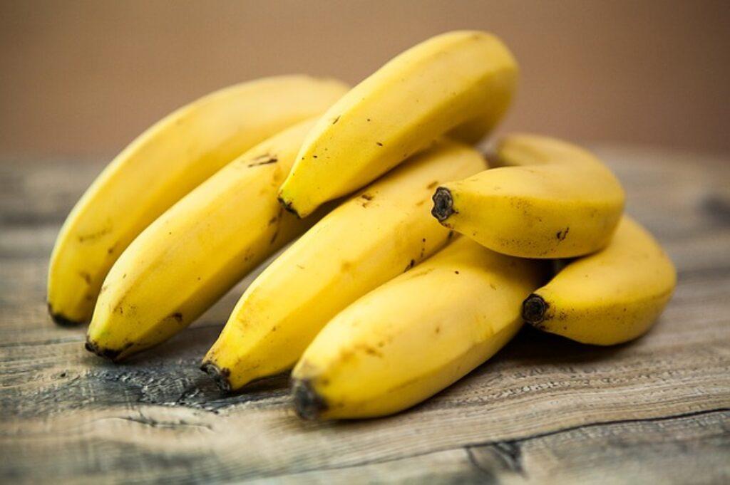 bananów nie trzymaj w lodówce póki nie dojrzeją