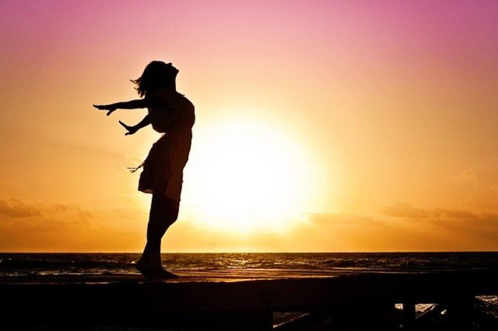 3 ćwiczenia oddechowe na lepszy sen i relaks